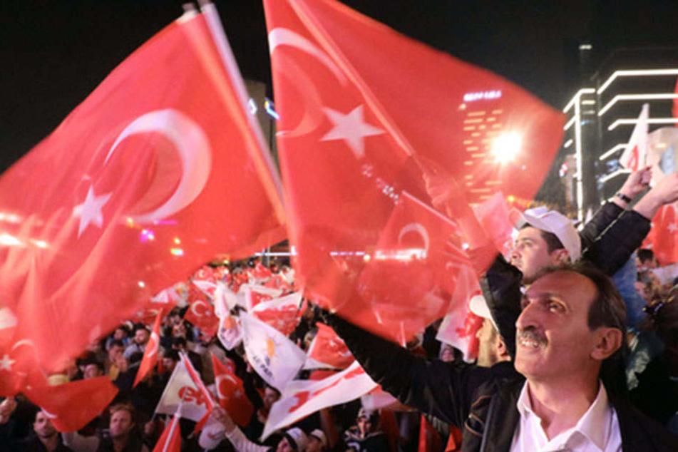 Die türkischen Bürger wurden dazu aufgerufen, über das Referendum abzustimmen.