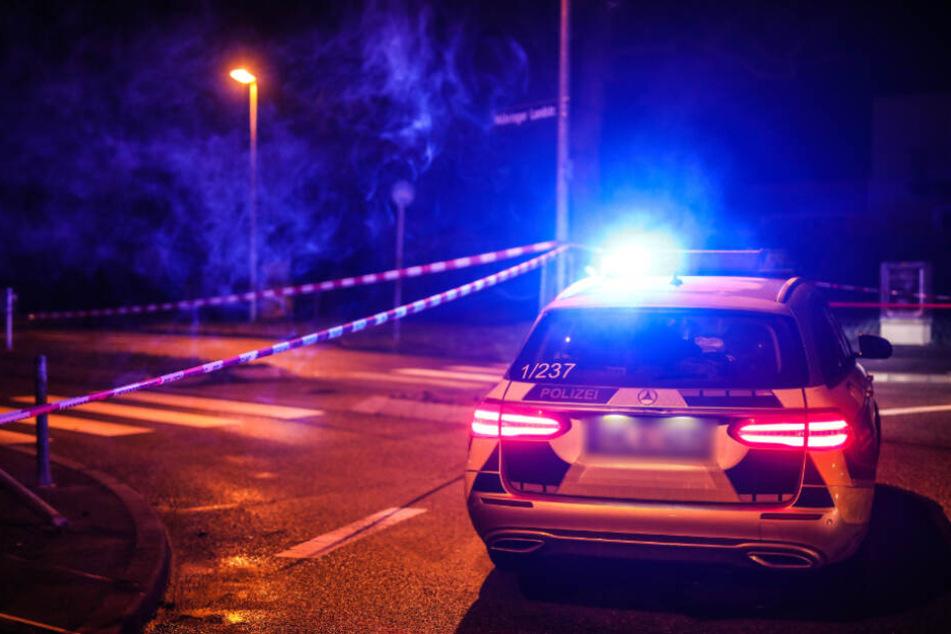 Mann blutüberströmt in Wohnung gefunden: Brachte Sohn seinen Vater im Streit ums Erbe um?