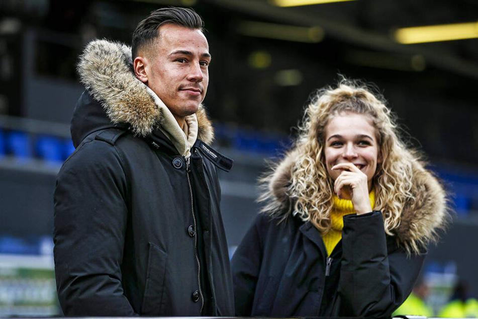 Mario Engels mit seiner Freundin Laura.