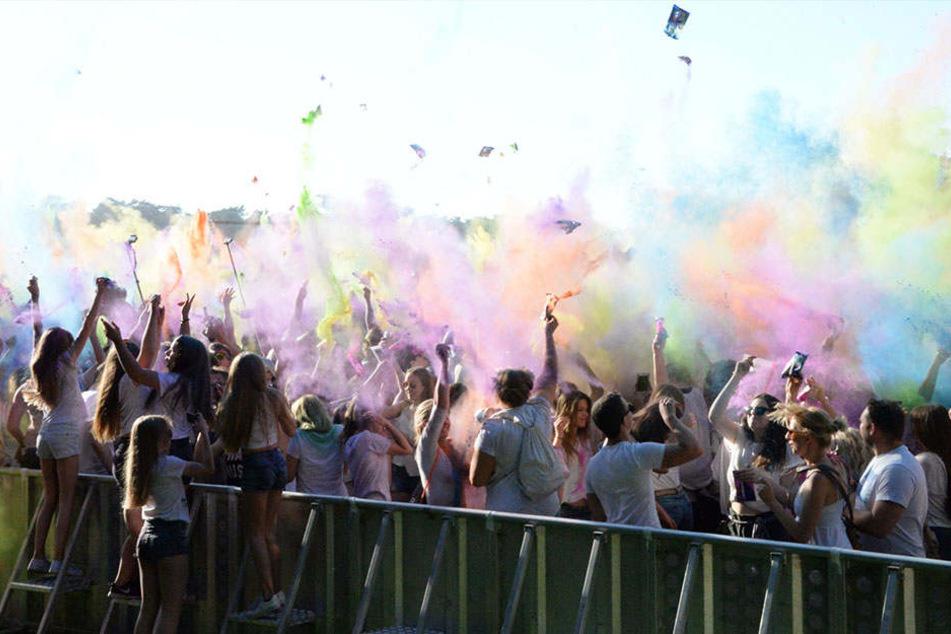 Bunter Spaß: Tausende feiern Holi-Festival in Gütersloh
