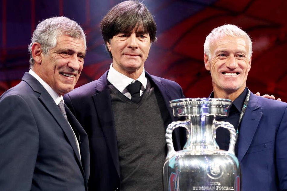"""Joachim Löw (M.) und die DFB-Elf befinden sich bei der EM in einer """"Todesgruppe""""."""