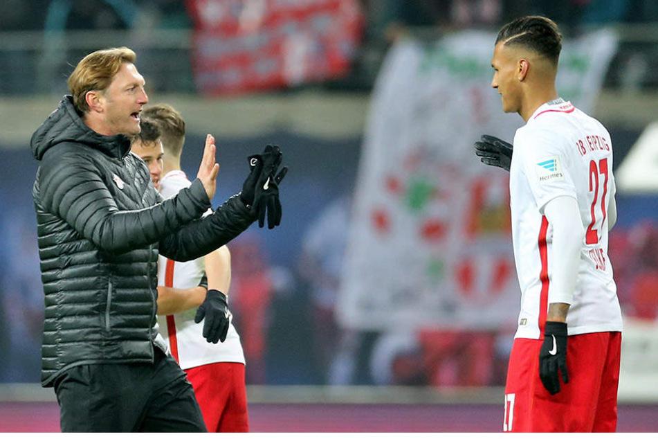 Trainer Ralph Hasenhüttl (links) erwartet von Davie Selke (rechts) Professionalität und Konzentration auf RB Leipzig.