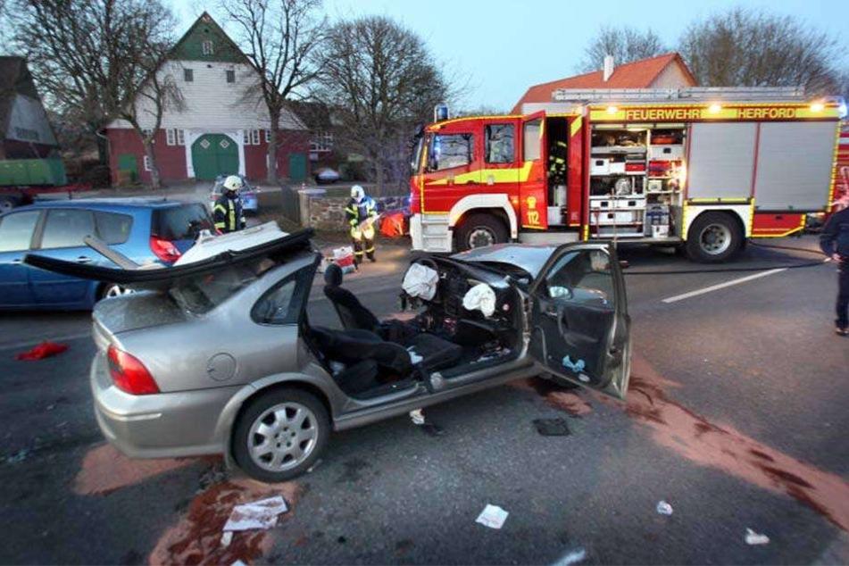 Zwei Schwerverletzte wurden ins Krankenhaus gebracht.