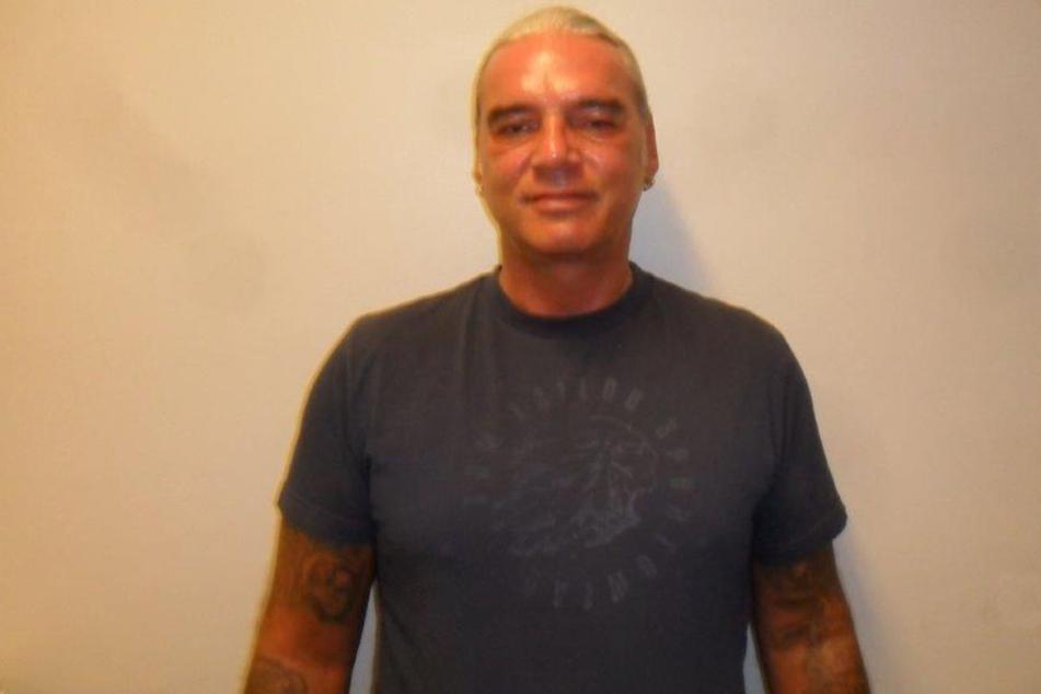 Der 49-Jährige ist mehrfach vorbestraft und sitzt in Sicherungsverwahrung.