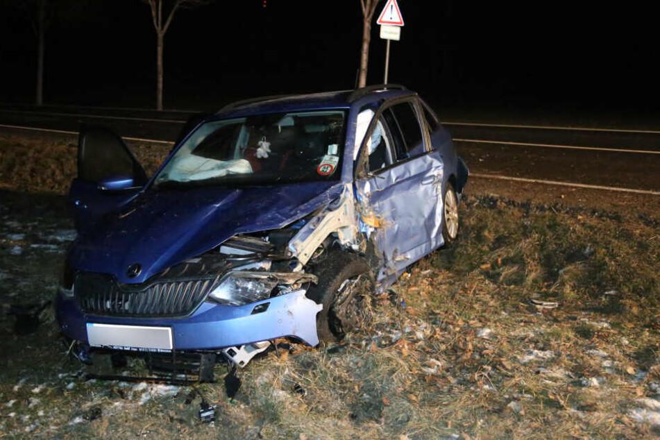 Der Skoda-Fahrer erlitt bei dem Crash leichte Verletzungen.