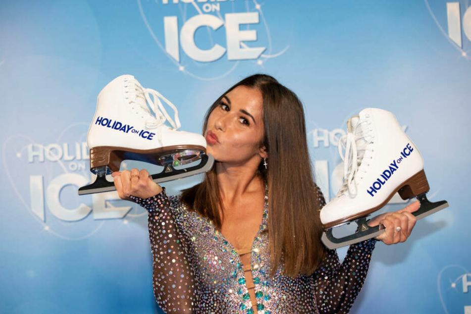 """Die neue Eiskunstlauf-Show """"Supernova"""" von Holiday on Ice soll die Zuschauer auf eine Reise zu einer fernen Galaxie entführen."""