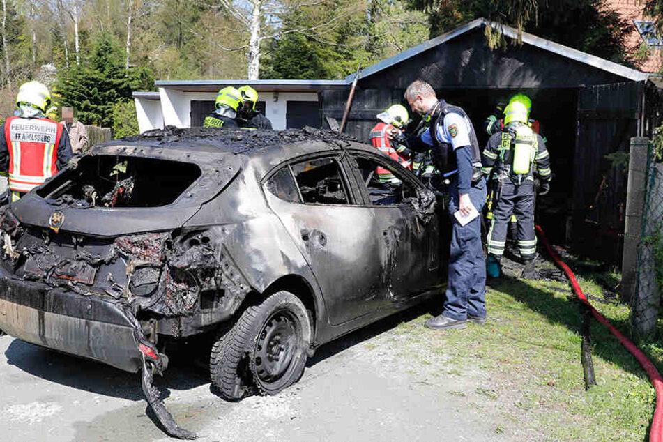Die Garage wurde durch das Feuer stark beschädigt.