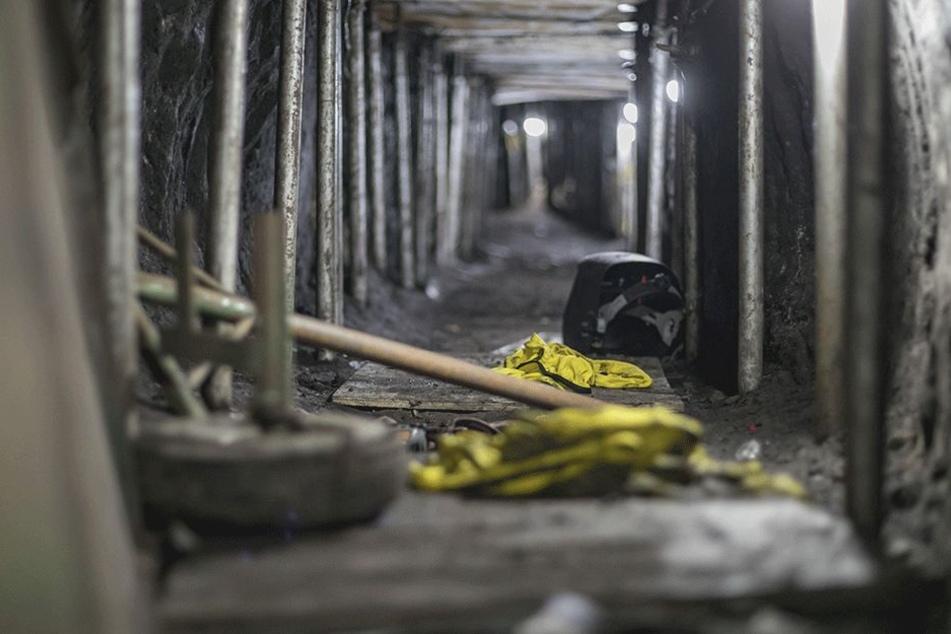 Der Blick in Sao Paulo in einen illegal erbauten Tunnel, der zwischen einem Privathaus und der Bank von Brasilien errichtet wurde. Laut Behörden nahm die brasilianische Polizei insgesamt 16 verdächtige Personen fest.