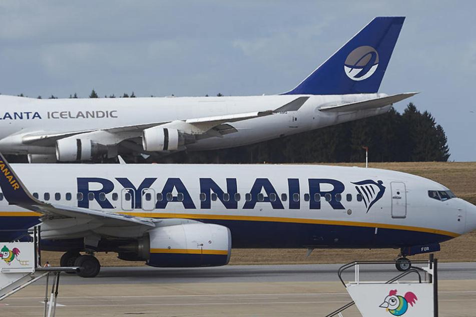 Der Billigflieger Ryanair entdeckte bereits 2009 das Potential des Brandenburger Flughafens. (Symbolbild)