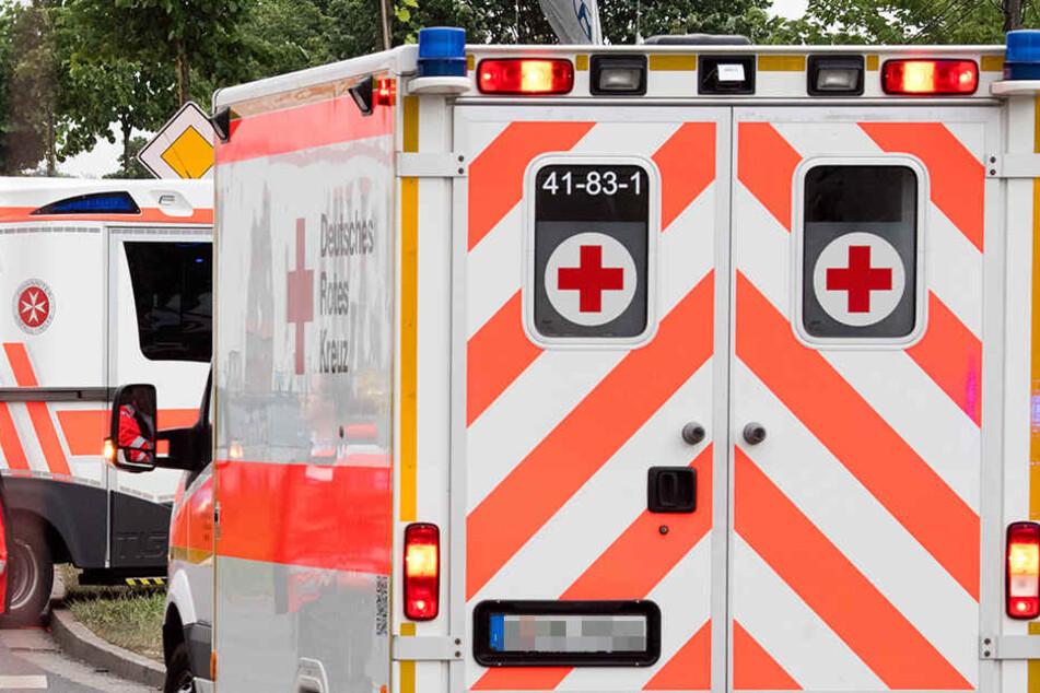 Rettungskräfte konnte für den Mann nichts mehr tun: Er starb noch am Unfallort. (Symbolbild)