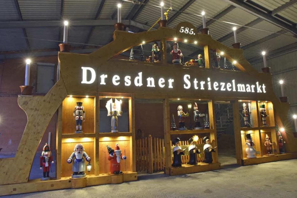 Dresden: Noch 32 Tage bis zum Striezelmarkt: Riesenschwibbogen glänzt wieder wie neu