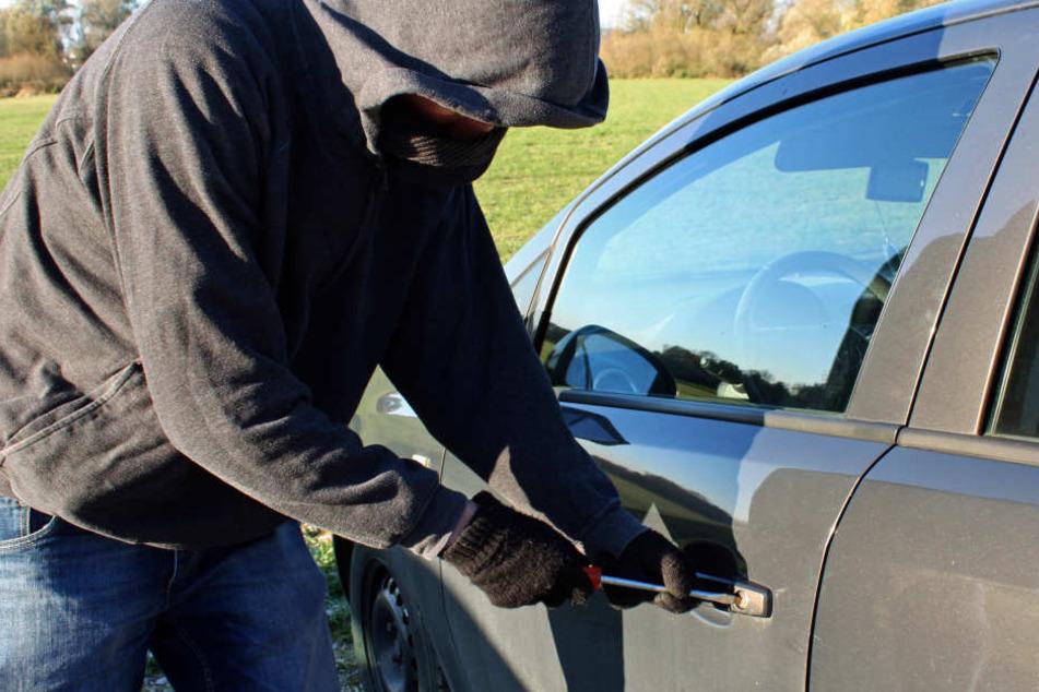 In Deutschland werden jeden Tag 340 Autos geknackt. (Symbolbild)