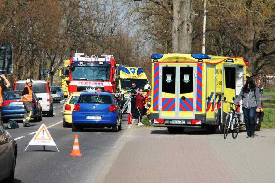 Unfall in der Fahrprüfung: Schülerin und Prüfer verletzt!
