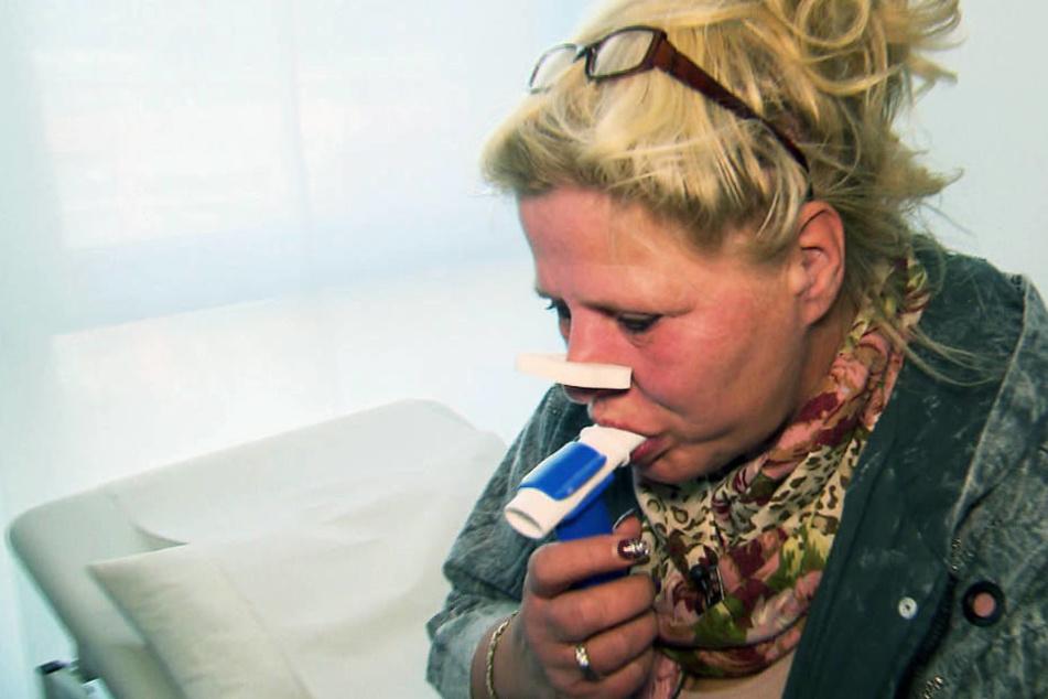 Silvia Wollny beim Raucher-Gesundheits-Check.
