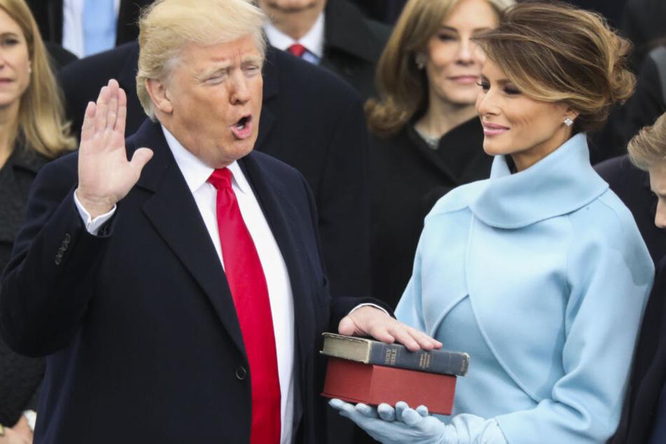 Das blaue Kleid trug sie bei der Amtseinführung ihres Mannes Donald.