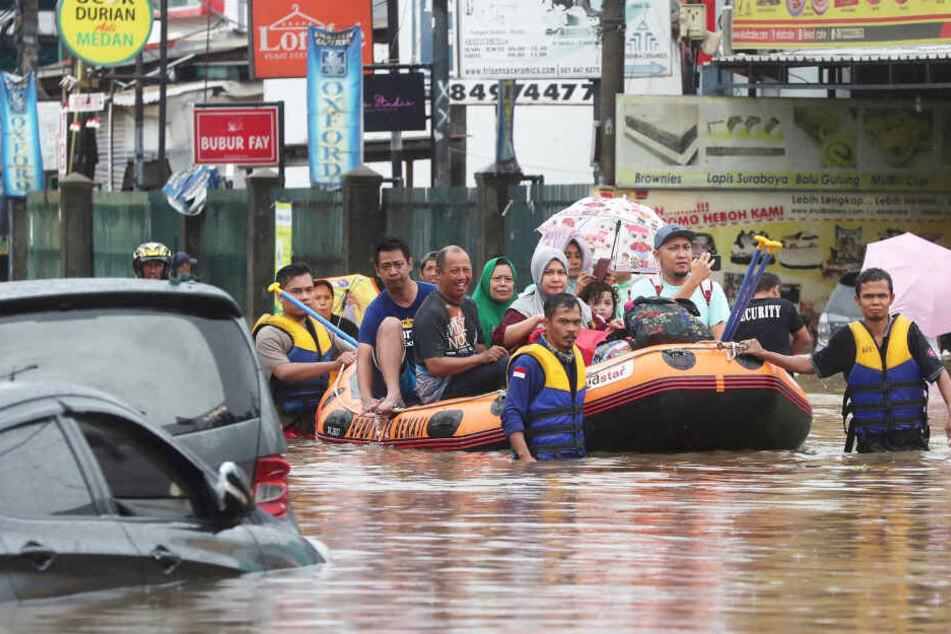 Hochwasser fordert 21 Tote am Neujahrstag!