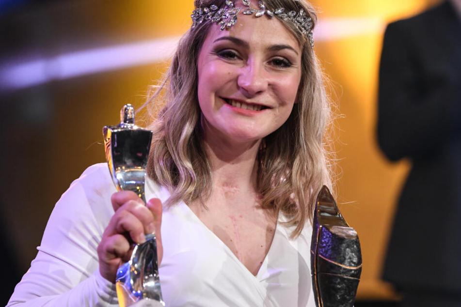 Bei der Wahl zur Sportlerin des Jahres zeigte sich Kristina Vogel zum ersten Mal im Rollstuhl auf dem roten Teppich und wurde Zweite in ihrer Kategorie.