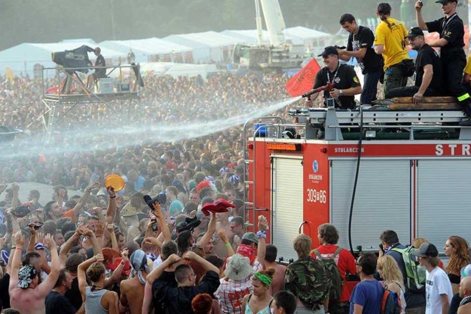 """Die polnische Regierung macht in diesem Jahr schon im Vorfeld eine Schlammschlacht aus dem """"Haltestelle Woodstock""""-Festival."""