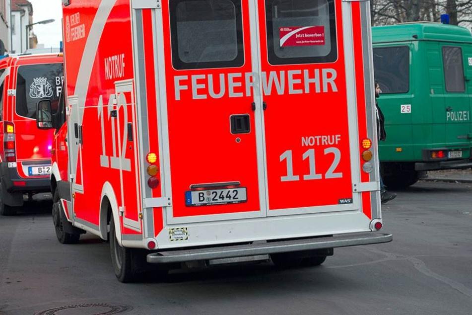 Drei der vier verprügelten Männer mussten zur Behandlung ins Krankenhaus (Symbolbild).