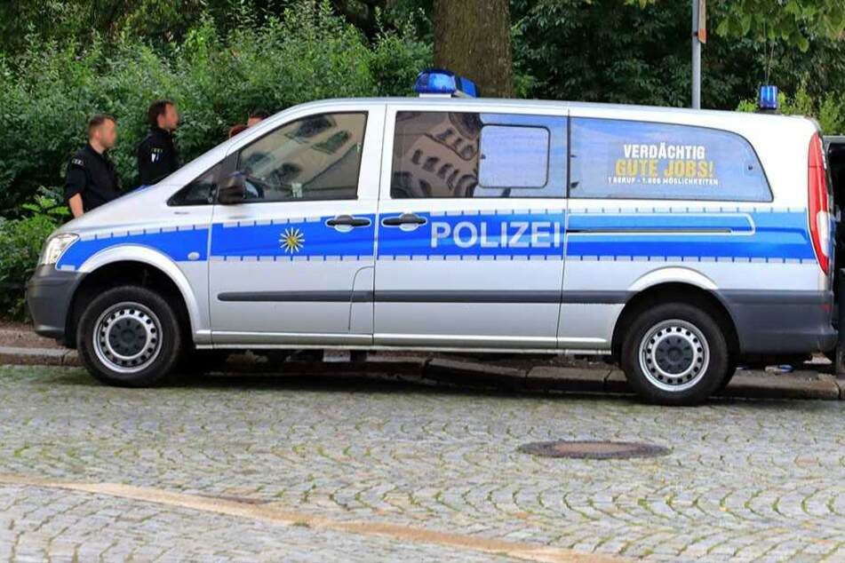Auf seiner Flucht rammte der Rentner auch einen Streifenwagen (Archivfoto).