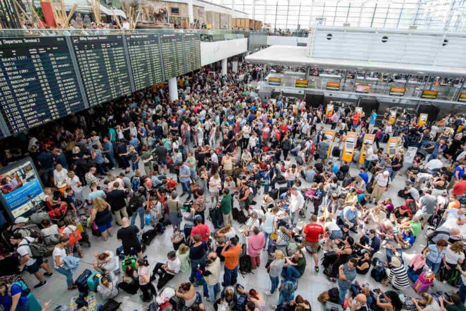 Durch die Unachtsamkeit eines Mitarbeiters am Flughafen München entstand ein Millionenschaden.