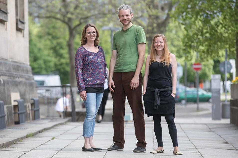 """Katrin Stephan (28,v.l.n.r.), Felix Liebig (38) und """"Löbtop"""" Vereinschefin Viola Martin-Mönnich (33)."""