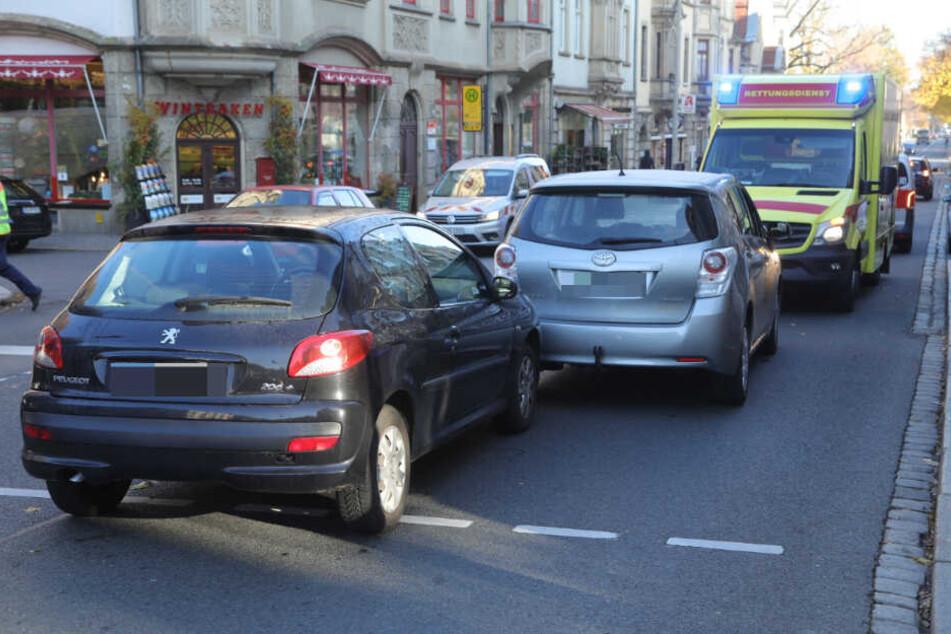 Die Fahrerin des Toyota Verso setzte sich vor den Peugeot, um ihn so zum Stehen zu bringen.