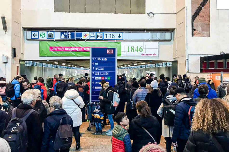 Stuttgart: Einschränkungen im Nah-und Fernverkehr nach Feuer am Hauptbahnhof Stuttgart