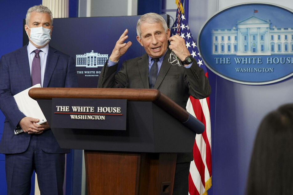 White House response coordinator Jeff Zients (l.) and Dr. Anthony Fauci are optimistic about the US recovery.