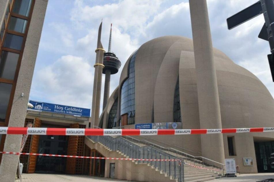 Die Polizei sperrte die Moschee am Dienstag weiträumig ab.