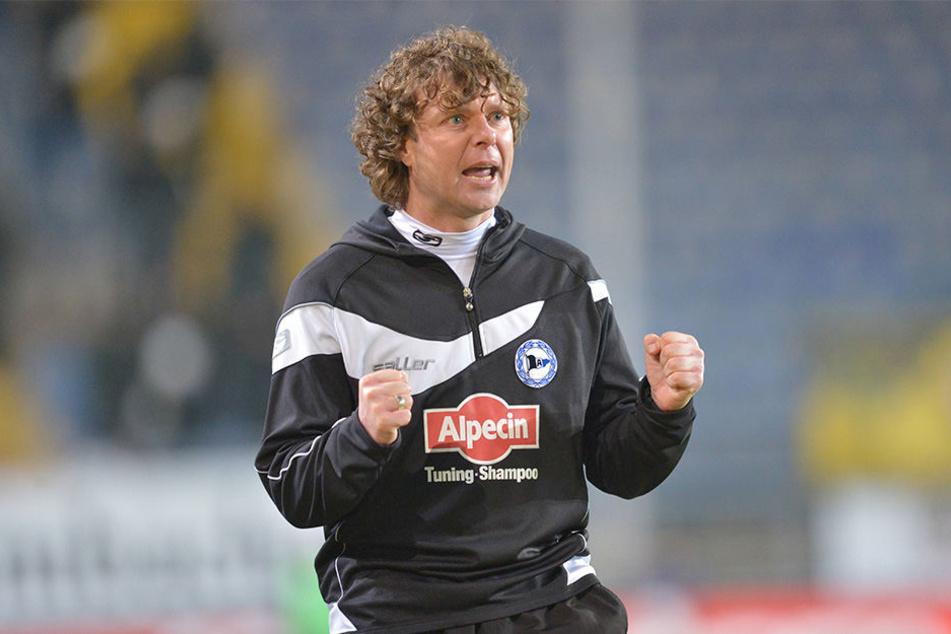 Zur Saison 2011/12 kam Stefan Krämer zunächst als Co-Trainer zur Arminia - er blieb bis zum 23. Februar 2014. Sein Nachfolger war Norbert Meier.