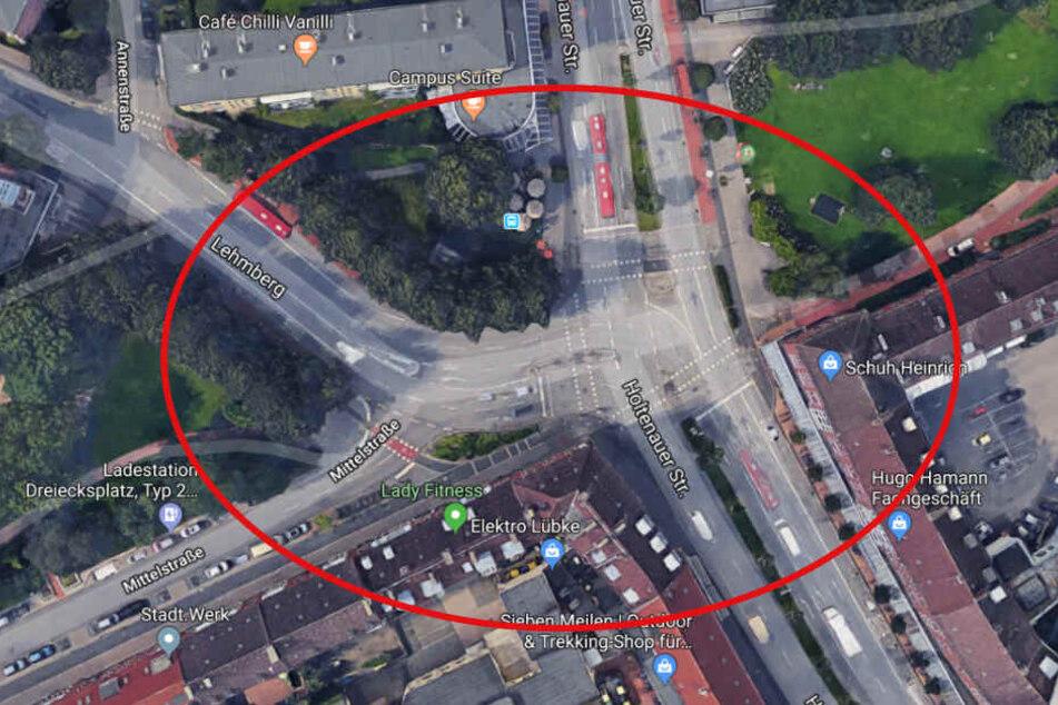 Auf dem Bild ist die gut einsehbare Kreuzung in Kiel zu sehen. Hier wurde der Dieb beim Wildpinkeln erwischt.