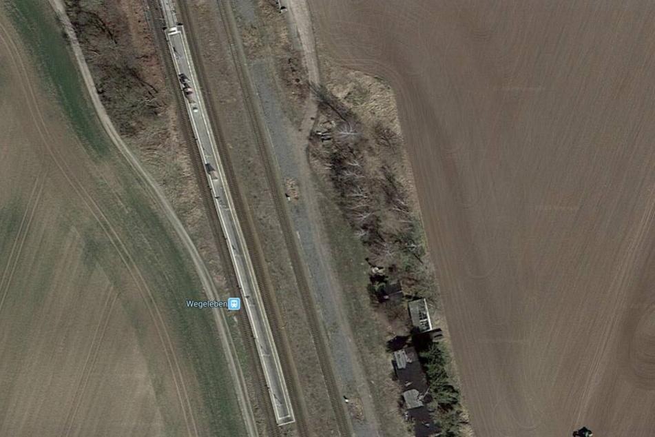Auf diesem Bahnsteig in Wegeleben wurde die Frau von einem durchfahrenden Zug entdeckt.