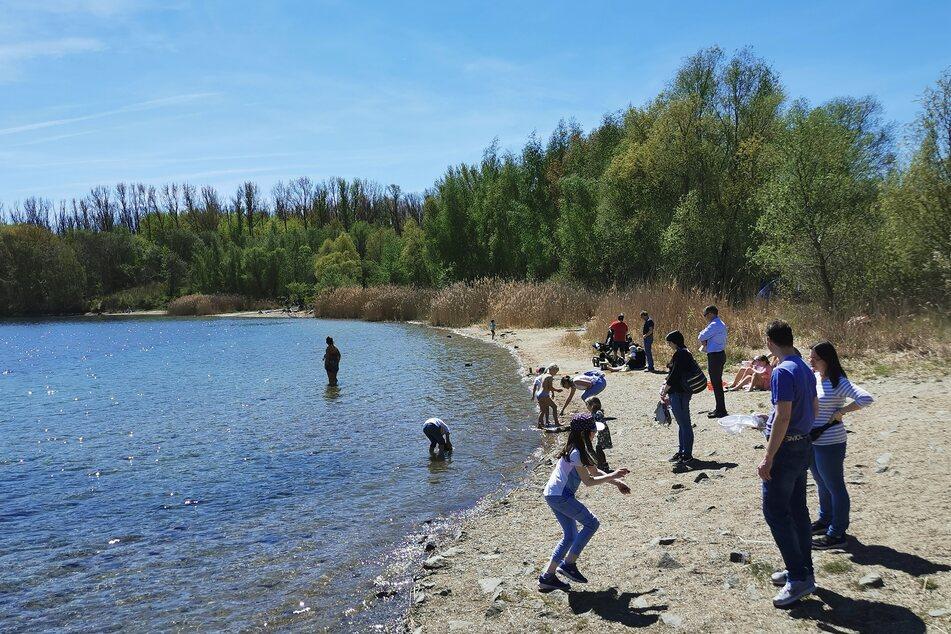Am Kulkwitzer See wurden schon der ein oder andere Zeh ins Wasser getunkt.