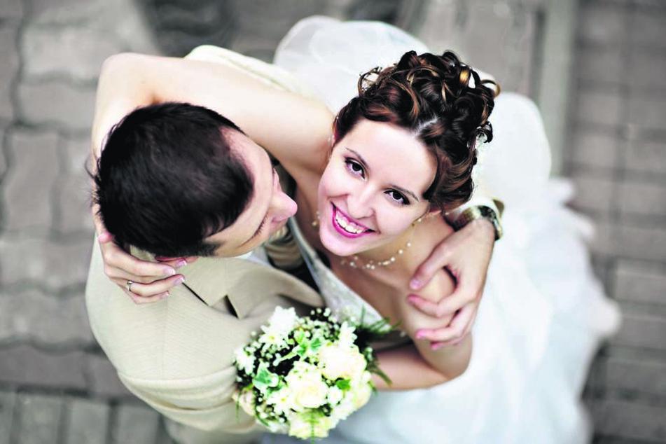Ein Hochzeitstraum in Lila-weiß? (Symbolbild)