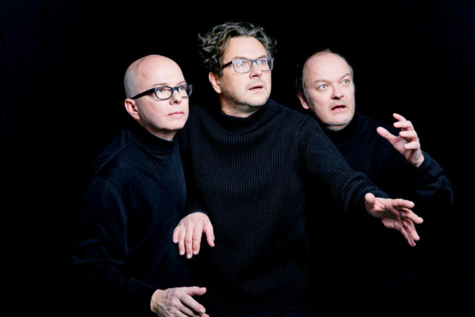 """Oliver Rohrbeck (von links nach rechts) spricht Justus Jonas,, Andreas Fröhlich (Bob) und Jens Wawrczeck (Peter) sind seit fast 40 Jahren die Stimmen der Hörspielreihe """"Die drei Fragezeichen""""."""