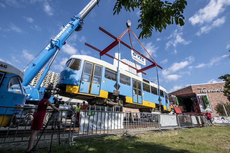 Was macht die Tatra-Bahn im Stadthallenpark?