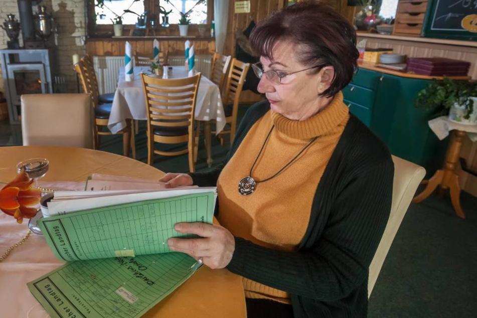 Waltraud Pecher (72) ist fassungslos, dass sich jemand ihr Lebenswerk unter  den Nagel reißen will - ausgerechnet ihr Sohn.