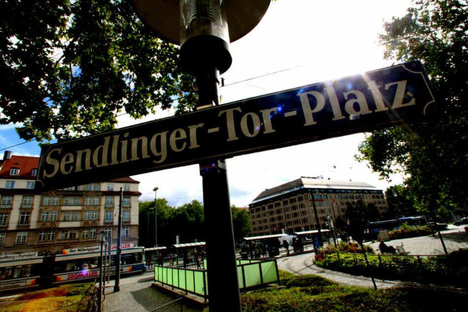 Der 20-Jährige war zu Fuß Richtung Sendlinger Tor unterwegs. (Symbolbild)