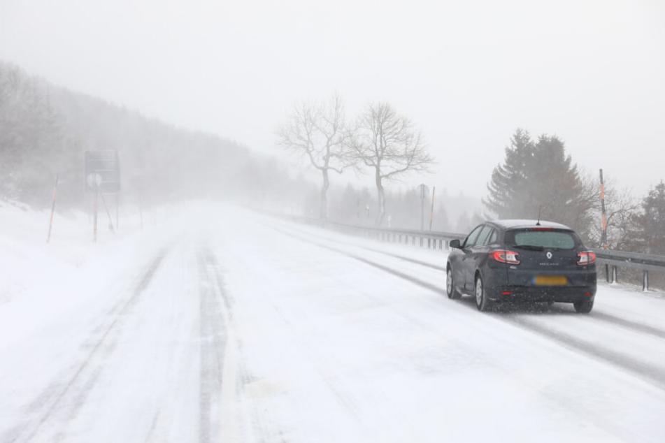 Sogar die Straßen waren weiß: Schneesturm im Erzgebirge