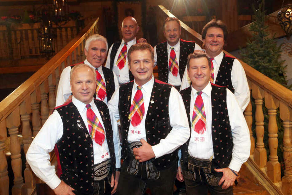 """Die """"Kastelruther Spatzen"""" sind eine der erfolgreichsten Volksmusikgruppen im deutschsprachigen Raum. Sie wurden 1975 im Südtiroler Ort Kastelruth gegründet."""