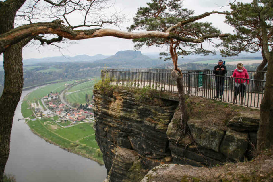 Die heutige zentrale Aussicht auf der Bastei ist im vorderen Abschnitt gesperrt.