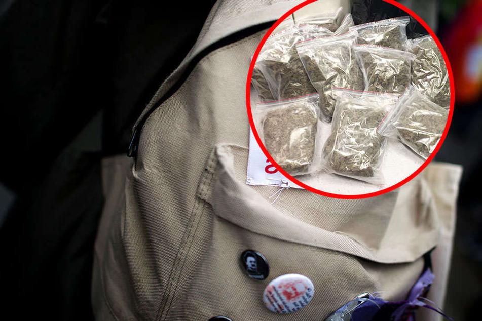 Der Rucksack war vollgestopft mit Marihuana und führte die Polizei in ein wahres Drogen-Lager. (Symbolbild)