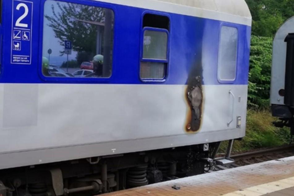50 Passagiere betroffen: Zug fängt zwischen Leipzig und Chemnitz plötzlich Feuer