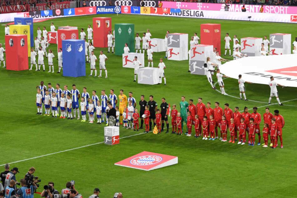Hertha BSC und der FC Bayern eröffneten die Bundesliga-Saison 2019/20 in der Münchner Allianz Arena.