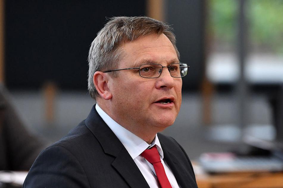 Uwe Höhn (59, SPD) ist der neue Staatssekretär der die Gebietsreform richten soll.