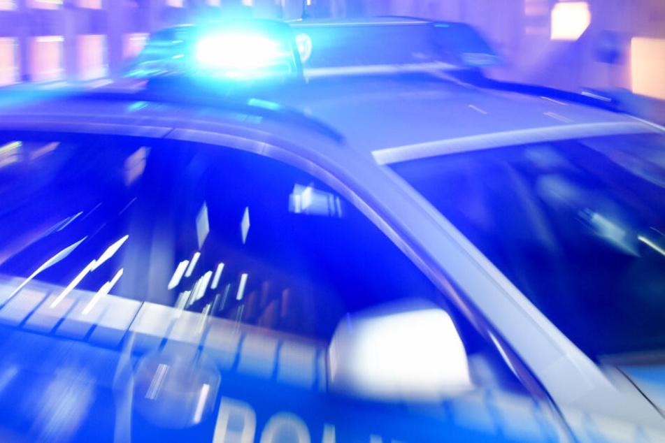 Die Polizei fand den Mazda und dessen mutmaßliche Insassen, steht aber vor einem Dilemma (Symbolbild).