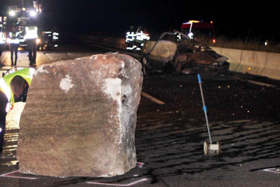 Ein Felsen stürzte auf die Fahrbahn der A81.