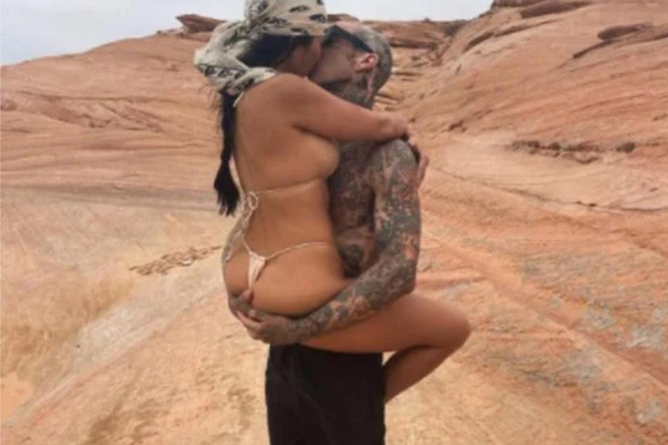 Kourtney Kardashian und Travis Barker (45) knutschen wild auf Instagram herum.