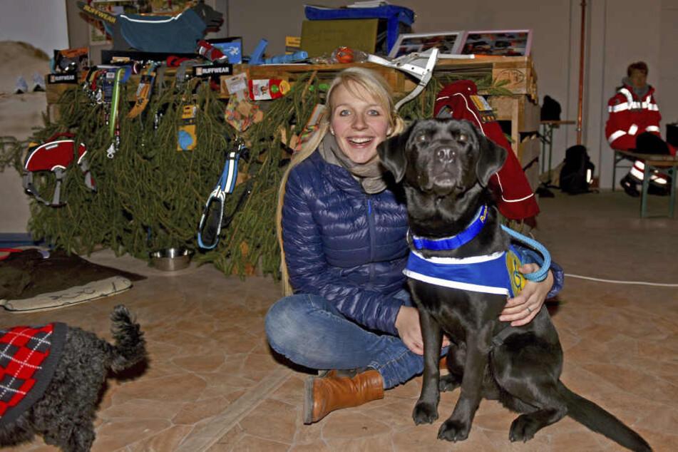 Tiertrainerin Lisa Brendel (27) organisierte den ersten tierischen Weihnachtsmarkt in Görlitz.